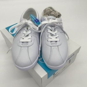 NWT! Easy Spirit White Leather Shoes